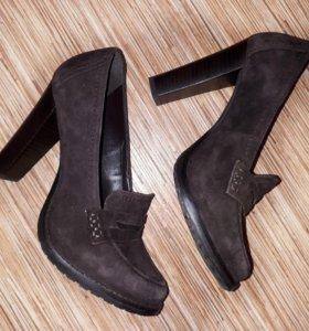 Новые туфли 35-36 размер