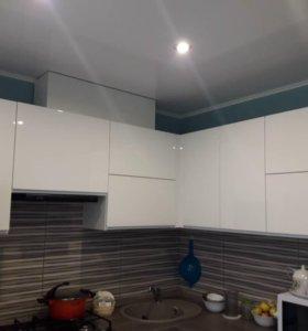 Кухонный гарнитур белый глянец