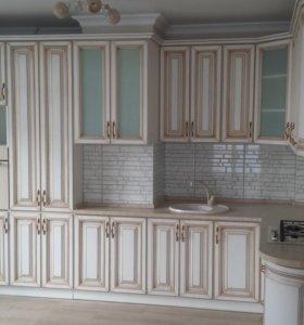 Кухонный гарнитур золотая патина