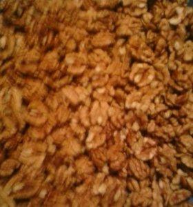 Орехи чищиный и не чищиный доставка по городу.