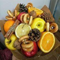 Букет из фруктов « в гостях у бабушки»