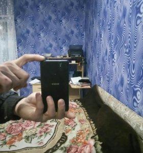 Телефон сони с 4