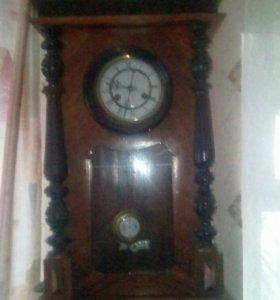 Старинные французские часы.