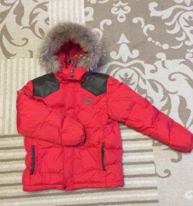 Зимний пуховик, на капюшоне натуральный мех