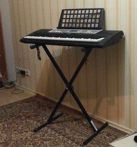 Продаю синтезатор новый Yamaha PSR-R200