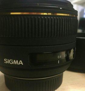 Sigma AF 30mm f/1.4 EX DC HSM Nikon F