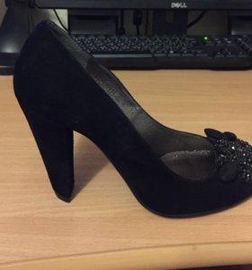 Туфли ( натуральная замша) новые