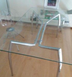 Стол и стул стеклянный