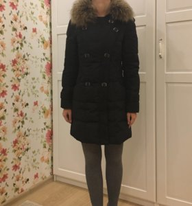 Черное пуховое пальто