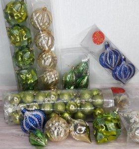Новогодние шары и игрушки