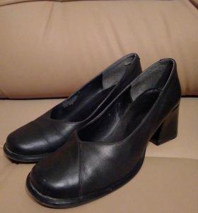 Туфли женские р. 37,5