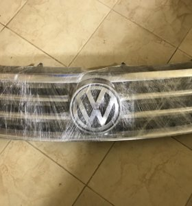 Решетка радиатора VW Touareg Туарег