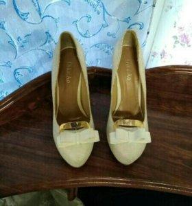 Продам туфли 2000