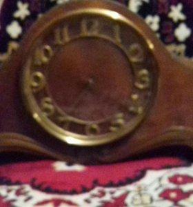 Часы старинные с боем.