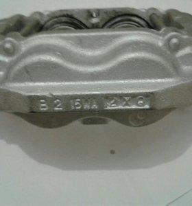 Суппорт передний Р Toyota LK200