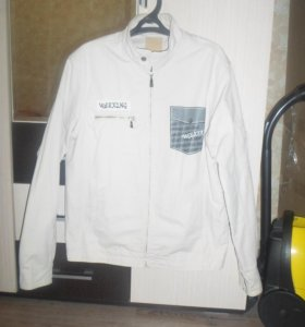 куртка-ветровка бежевая