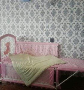 Кроватка-манеж с откидным пеленальным столиком