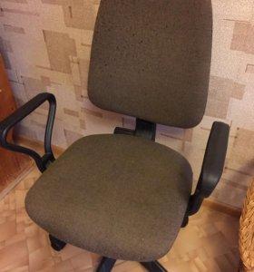 Компьютерный стул-кресло