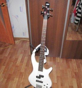 Бас-гитара IBANEZ GSR200 Pearl White
