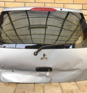Крышка багажника mitsubishi colt