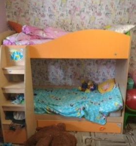 Детская 2-х ярусная кровать.
