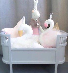 Подушка игрушка лебедь