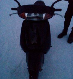 скутер HONDA LEAD 100