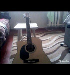 Электро-акустическая гитара