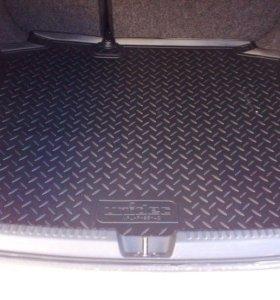 Коврик в багажник на Volkswagen polo sedan