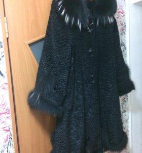 Пальто трапеция и норковая шапка