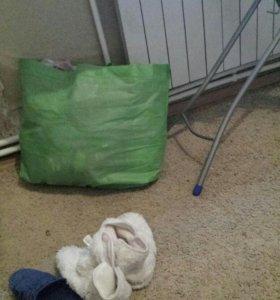 2 пакета детской одежды