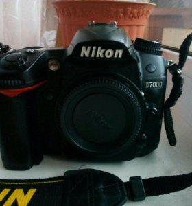 Зеркальный фотоаппарат Nikon D7000 body.