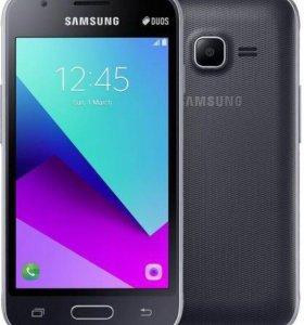 Смартфон Samsung Galaxy J1 mini prime (черный)