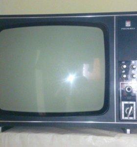 Телевизор старинный