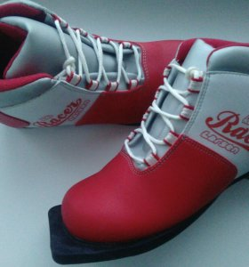 Новые лыжные ботинки