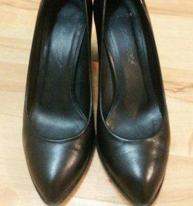 Туфли черные женские из натуральной кожи
