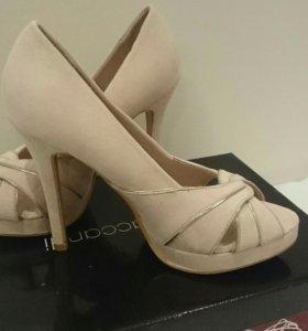 Новые туфли 37-37,5 размер