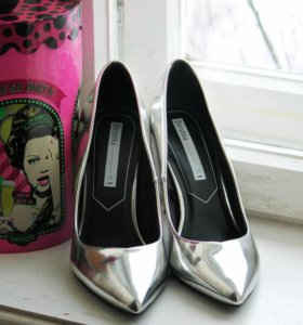 """Туфли лодочки бренда """"BERSHKA"""""""