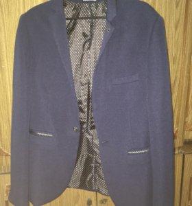 Продаю пиджак размер