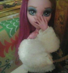Кукла монстер хай в хорошем состоянии