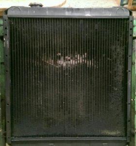 Радиатор маз.