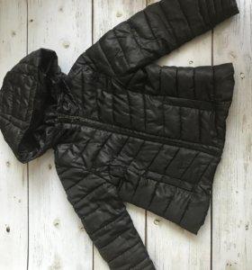 Zara куртка р-р 3-4 года 105 см