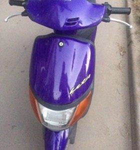 Продам скутер Suzuki Lets 1