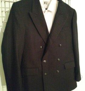 Продаю утепленыы костюм ( брюки и пиджак), рубашка