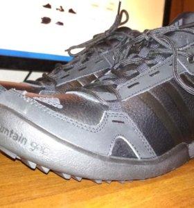Кроссовки зимние adidas новые