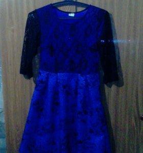 Продаю платья .