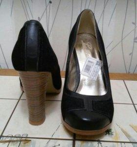 Туфли новые 37 размер.(маломерки)