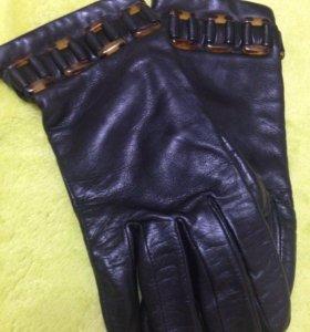 Кожаные перчатки (женские)