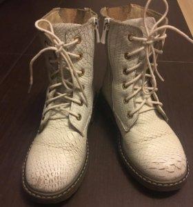 Ботинки для девочки б/у (демисезонные)