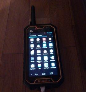Защищённый смартфон Runbo X6